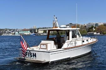 Fish 2 Fish 2000 GRAND BANKS Eastbay HX Motor Yacht Yacht MLS #246620 2