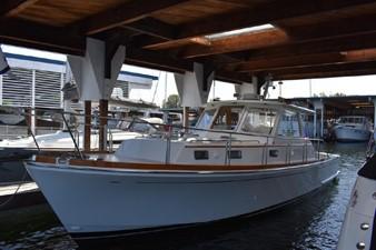 Fish 4 Fish 2000 GRAND BANKS Eastbay HX Motor Yacht Yacht MLS #246620 4