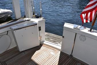 Fish 7 Fish 2000 GRAND BANKS Eastbay HX Motor Yacht Yacht MLS #246620 7