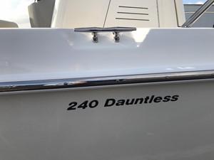 No Name 6 No Name 2017 BOSTON WHALER 240 Dauntless Boats Yacht MLS #247370 6