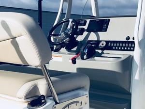 No Name 5 No Name 2017 BOSTON WHALER 240 Dauntless Boats Yacht MLS #247370 5