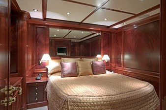MAMMA MIA 6 MAMMA MIA 2007 BENETTI Classic 120 Motor Yacht Yacht MLS #246339 6