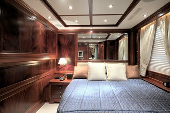 MAMMA MIA 7 MAMMA MIA 2007 BENETTI Classic 120 Motor Yacht Yacht MLS #246339 7