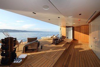 PLANET NINE 32 Starboard Side Beach Club with Sauna and Steam Room