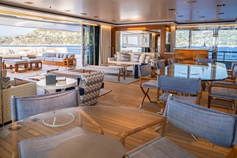 Inside Outside Lounge Looking Aft