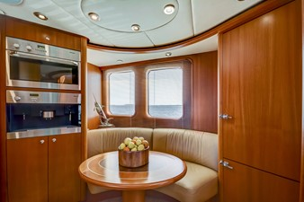 GUSTO 10 Galley/Dinette