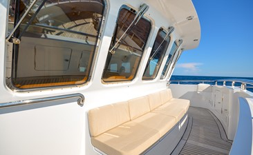 GUSTO 21 Foredeck Seating