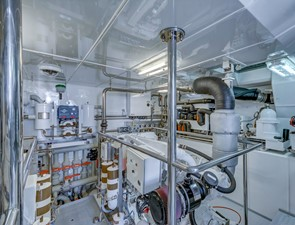 GUSTO 29 Engine Room
