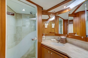 GUSTO 18 VIP Guest Bath