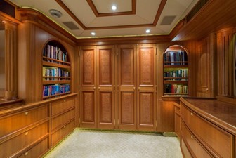 Master Closets And Dressing Area