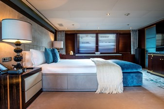 ASTRID CONROY 15 Master Bed