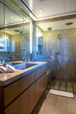 ASTRID CONROY 17 Master shower-room his