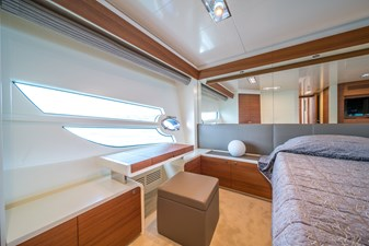 Itama 75 2011 for sale master cabin full beam with new carpet