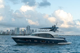 Monte Carlo Yachts MCY 76 3 03_MCY 76_Mooring