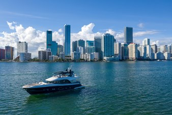 Monte Carlo Yachts MCY 76 4 04_MCY 76_Mooring
