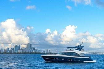 Monte Carlo Yachts MCY 76 5 05_MCY 76_Mooring_mod