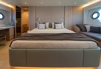 Monte Carlo Yachts MCY 76 18 08_MCY 76_Owner Cabin