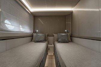 Monte Carlo Yachts MCY 76 37 12_MCY 76_Guest Cabin