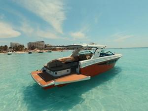 2018 Sea Ray 400 SLX @ Cancun 1 2018 Sea Ray 400 SLX @ Cancun 2018 SEA RAY 400 SLX Cruising Yacht Yacht MLS #247583 1