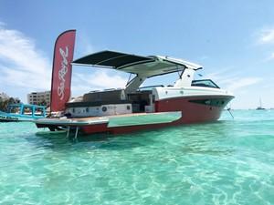 2018 Sea Ray 400 SLX @ Cancun 4 2018 Sea Ray 400 SLX @ Cancun 2018 SEA RAY 400 SLX Cruising Yacht Yacht MLS #247583 4