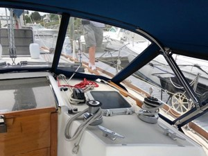 Starboard side cabin top winches