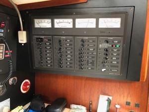 Breaker panel for DC/AC voltage