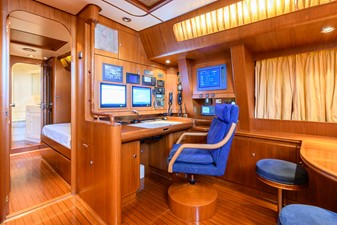 CRYSTAL 7 CRYSTAL 1991 JONGERT  Cruising/Racing Sailboat Yacht MLS #247921 7