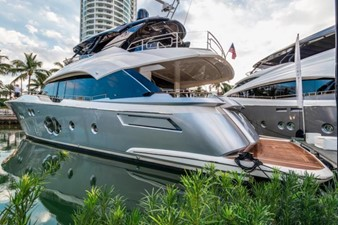 This 2018 80' Monte Carlo Yachts MCY 80 For Sale - SYS Yacht Sales