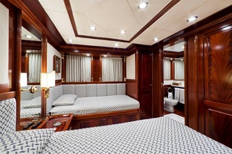 SOPHIE BLUE 15 Guest twin stateroom