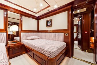 SOPHIE BLUE 16 Guest twin stateroom 1