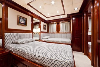 SOPHIE BLUE 17 Guest twin stateroom