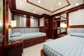 SOPHIE BLUE 19 Guest twin stateroom 2