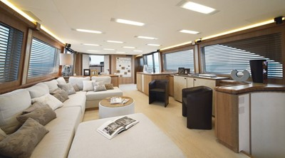 Monte Carlo Yachts MCY 86 9