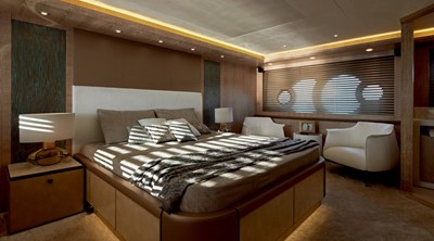Monte Carlo Yachts MCY 86 13