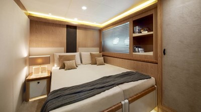 Monte Carlo Yachts MCY 86 18
