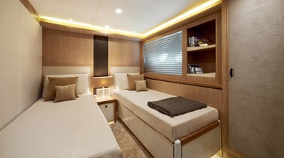Monte Carlo Yachts MCY 86 19