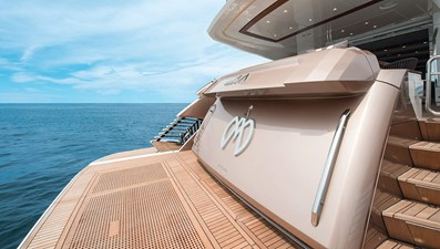 Monte Carlo Yachts MCY 96 11