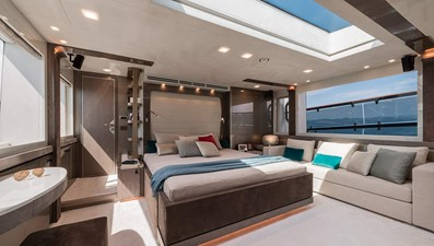 Monte Carlo Yachts MCY 96 16