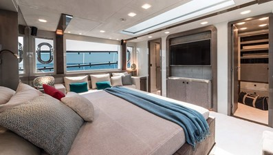 Monte Carlo Yachts MCY 96 17