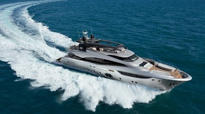 Monte Carlo Yachts MCY 105 3