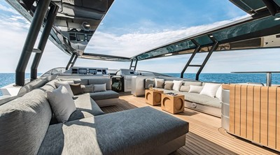 Monte Carlo Yachts MCY 105 5
