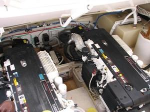 Kruz'n Susan 16 Engine Room