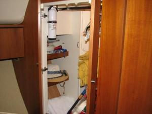 Kruz'n Susan 20 Owner's Stateroom Storage Locker