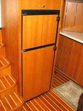 Kruz'n Susan 28 Full Size Refrigerator
