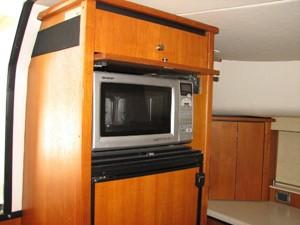 Kruz'n Susan 29 Microwave