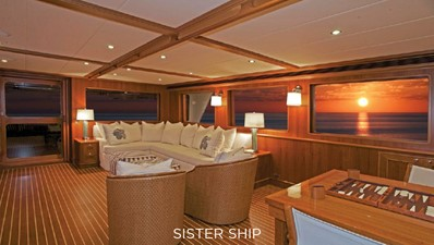 860 MY 2 860 MY 2022 OUTER REEF YACHTS 860 MY Motor Yacht Yacht MLS #226357 2