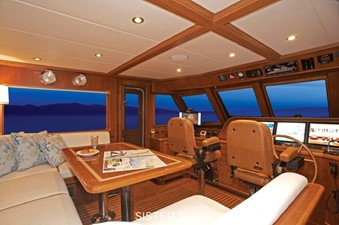 860 MY 4 860 MY 2022 OUTER REEF YACHTS 860 MY Motor Yacht Yacht MLS #226357 4