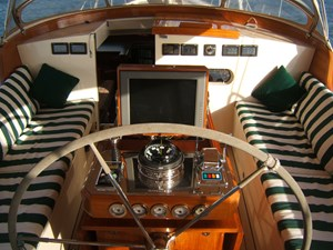 CARMELLA 2 Cockpit Forward