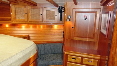 Owner's Cabin, Stbd.
