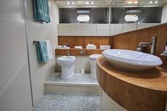 Master Bathroom-min